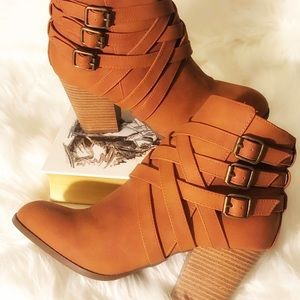 Charlotte Russe Chestnut Zip-up ankle booties.